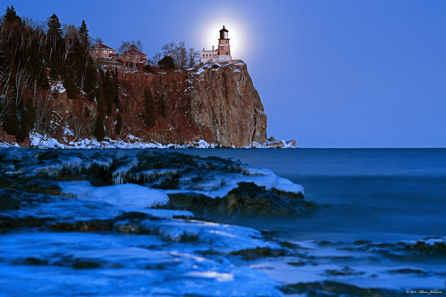 Split Rock Lighthouse State Park - Full moon rising behind Split Rock Lighthouse on New Year's Day